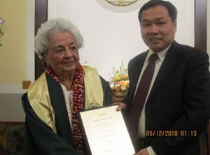 CMEd_Award_ Lakshmi_300x222
